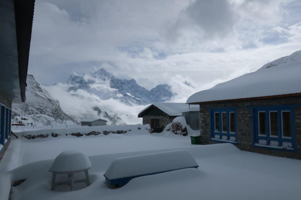 6. nap reggel, kb 50 cm friss hó