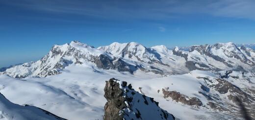 visszanézve, háttérben a Monte Rosa csoport csúcsai