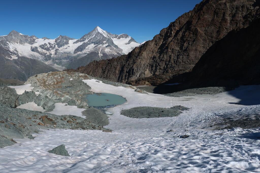 Itt ér véget a gleccser, kb 3280m