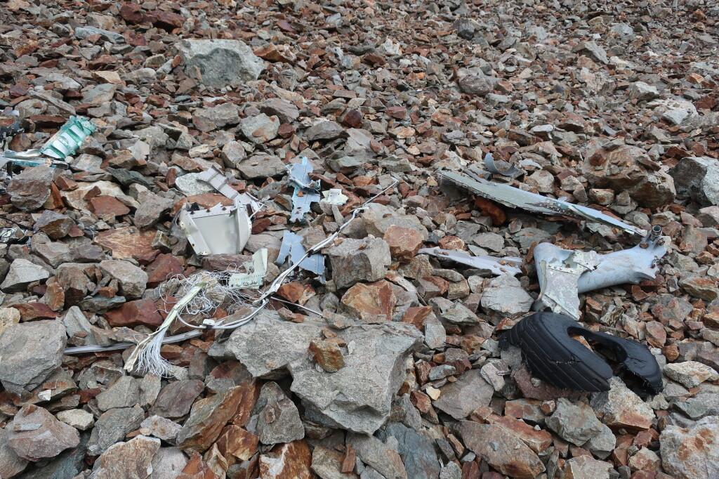 Egy 80as évekbeli repülőgép baleset maradványa a Col Turbat környékén
