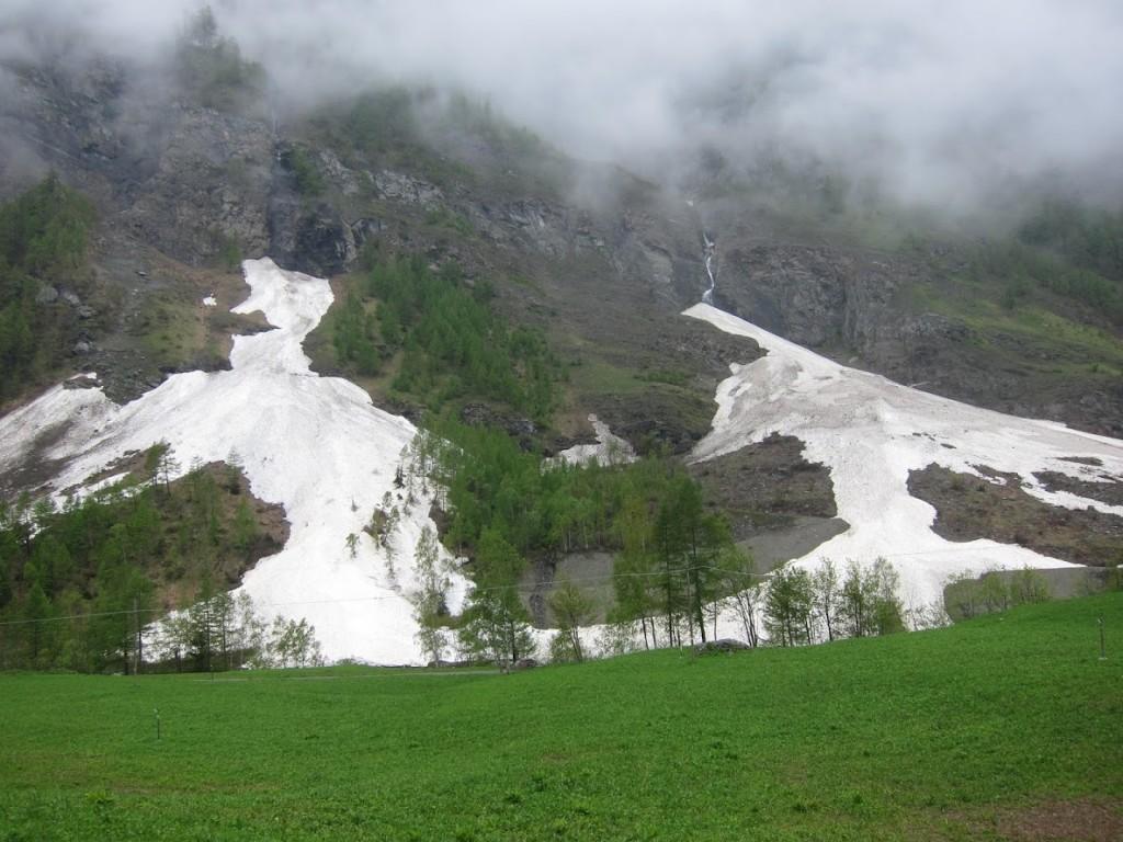 komoly lavinák nyomai lejjebb (1300m?)