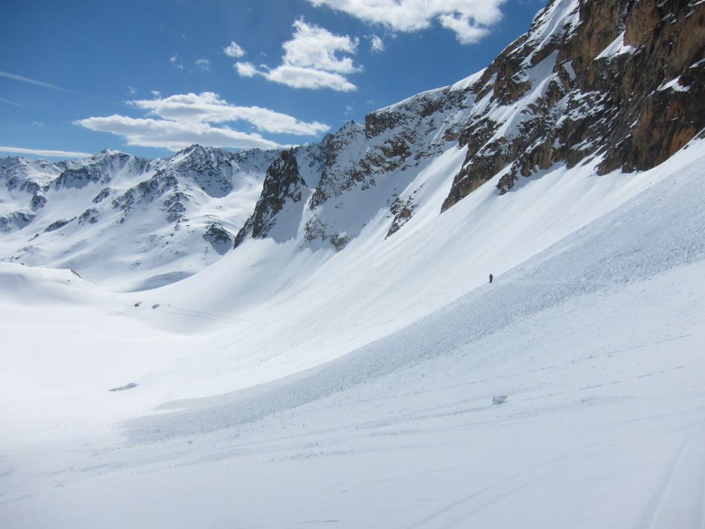 lavinaveszélyes szakasz. egyesével